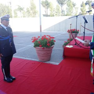 Stefano Marconi riceve l'elogio dal comandante Pucciarelli