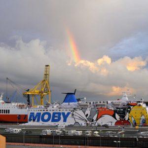 Livorno arcobaleno sul porto